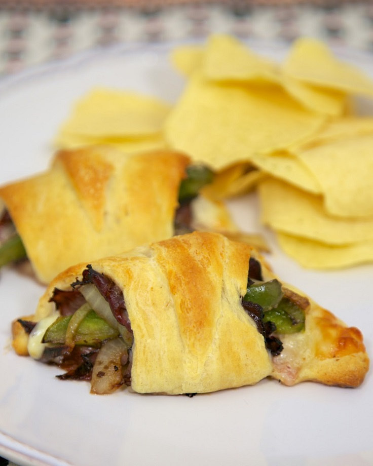 Philly-Cheesesteak-Crescents
