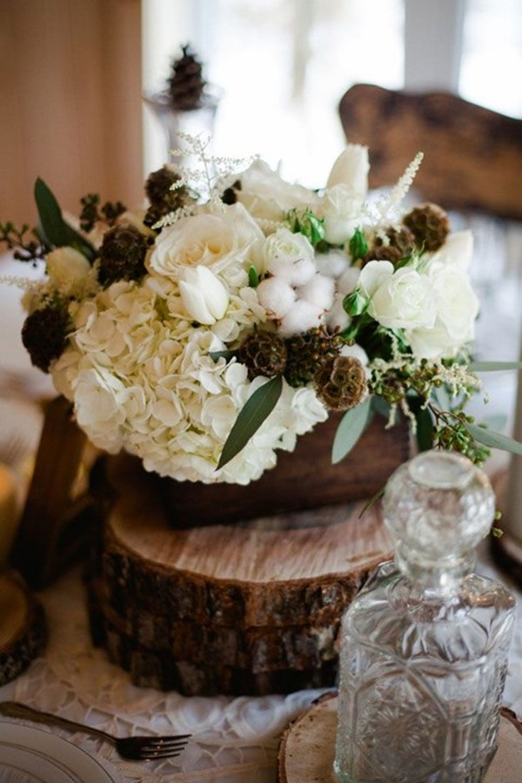 Delicate-Roses-Hydrangeas-and-Cotton