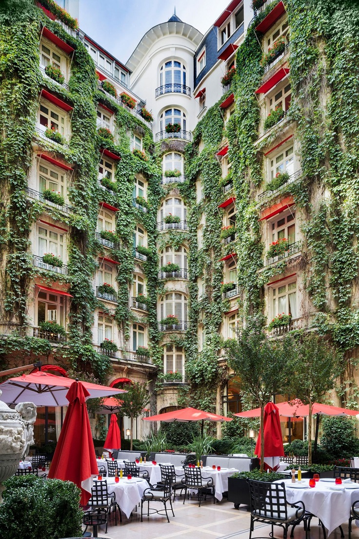Top 10 beautiful places in paris that will make you wish for Jardin cour