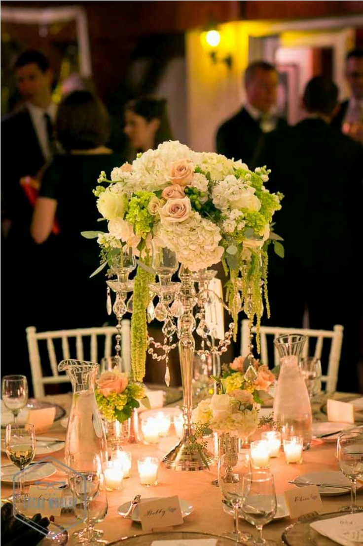 Romantic-White-and-Green-Centerpieces