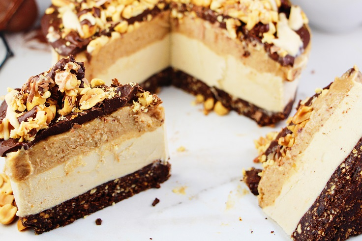 Raw-Snickers-Cheesecake