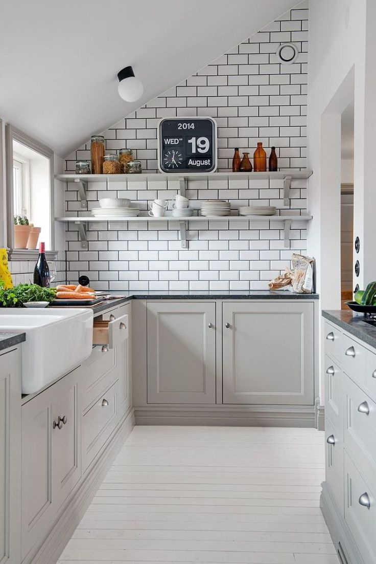 Top 10 amazing kitchen ideas for small spaces top inspired for Great small kitchens