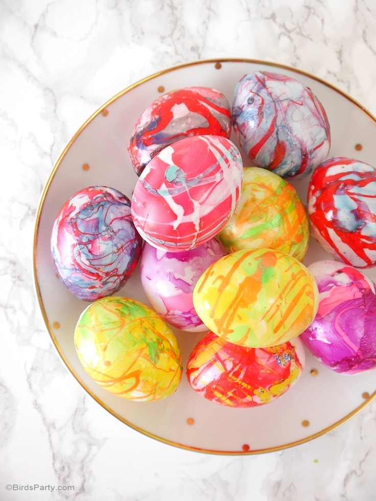 Nail-Polish-Marbled-Easter-Eggs