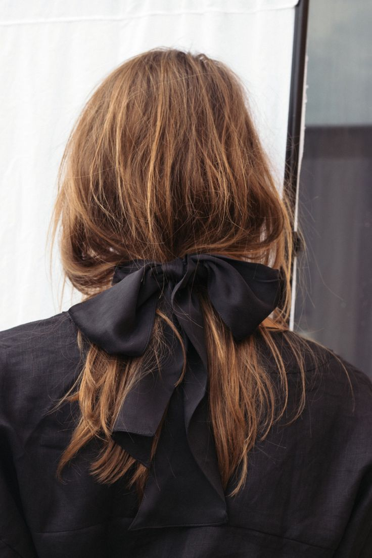 Messy-Ribbon-Hairstyle