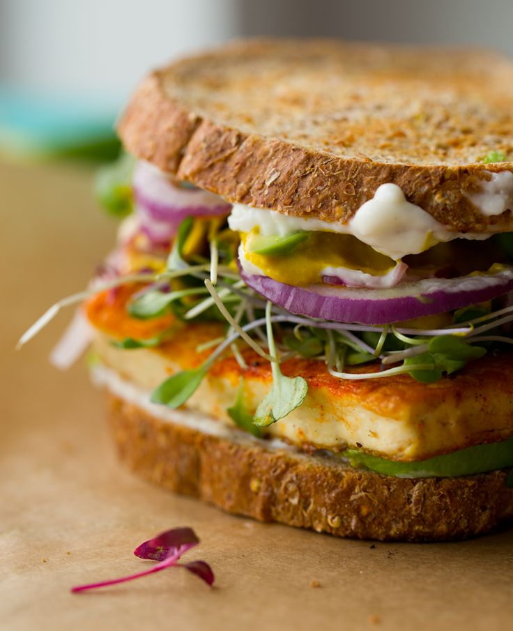 Lunch-Sandwich-with-Sizzling-Skillet-Tofu