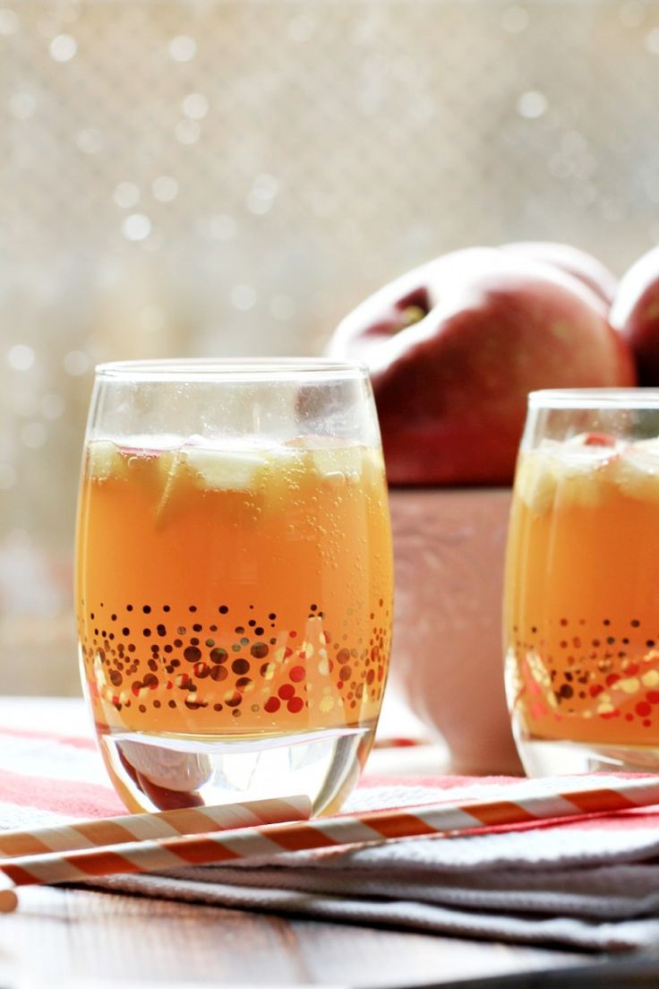 BEST 10+ Mocktail Recipes to Try this Christmas