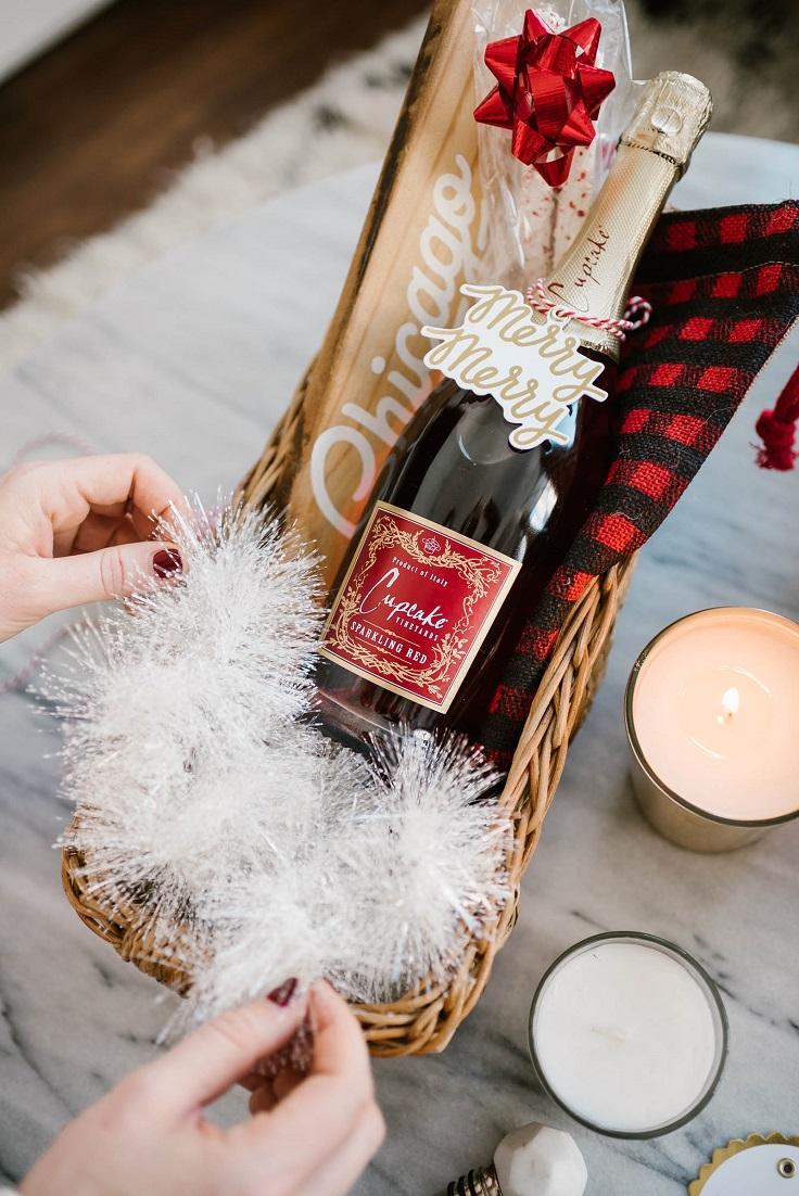 Gift-Basket-for-Wine-Lovers