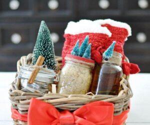 Top 10 DIY Gift Basket Ideas for Christmas