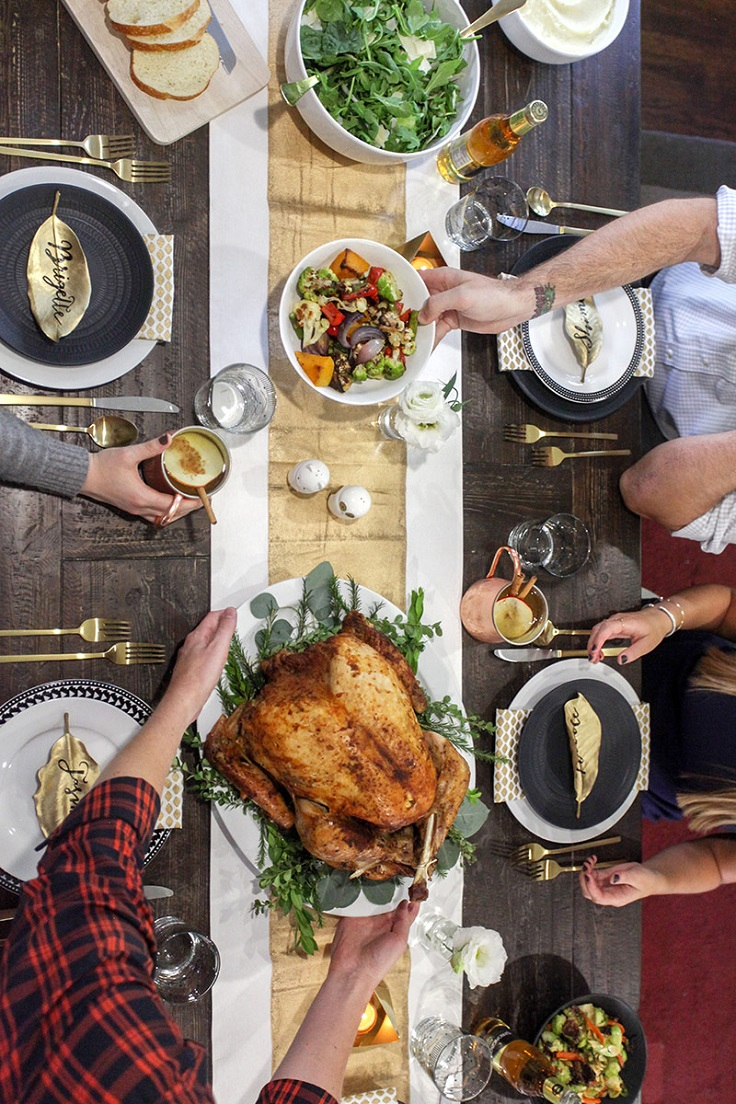 food-and-drink-friendsgiving
