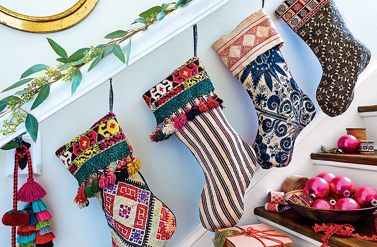 Christmas-Stockings-from-Thrift-Store-Blankets