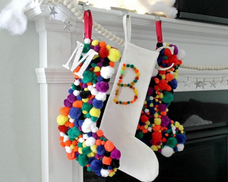 Pompom-Christmas-Stocking