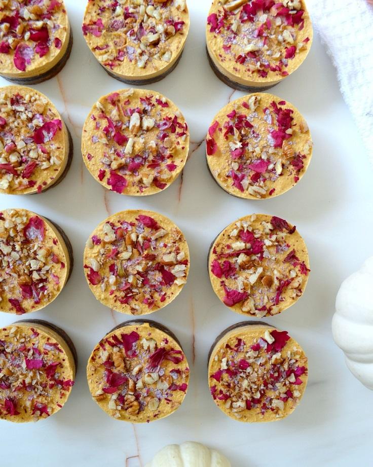Mini-Chocolate-Salted-Caramel-Pumpkin-Cheesecakes