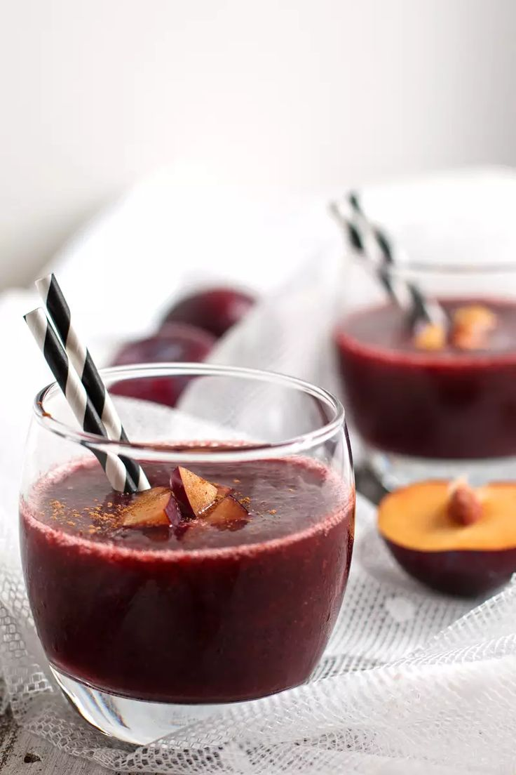 Cinnamon-Plum-Smoothie