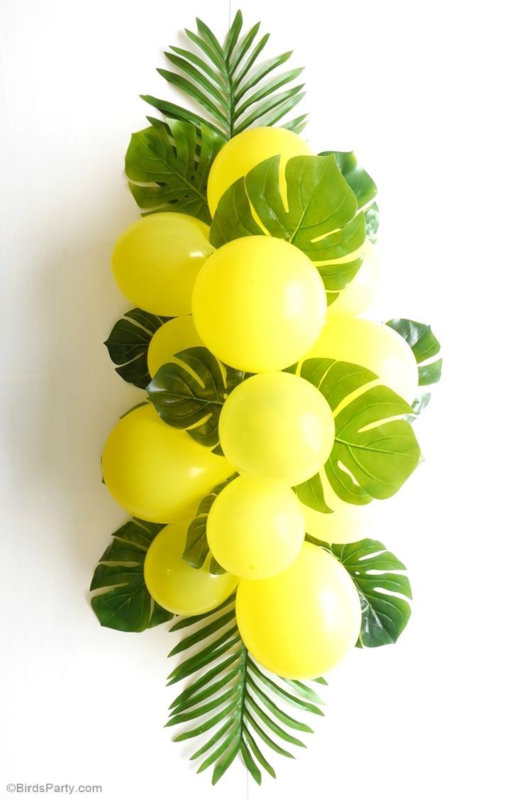 Balloon-Fronds-Tropical-Party-Centerpiece