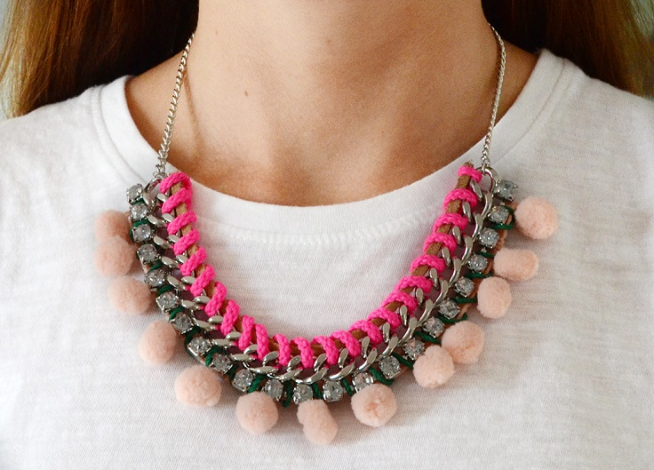 Pom-Pom-Statement-Necklace