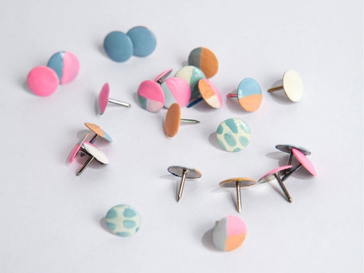 Colorful-Thumbtacks