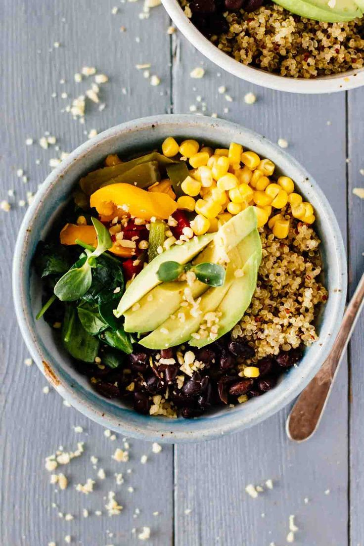 Black-Bean-Quinoa-Bowl