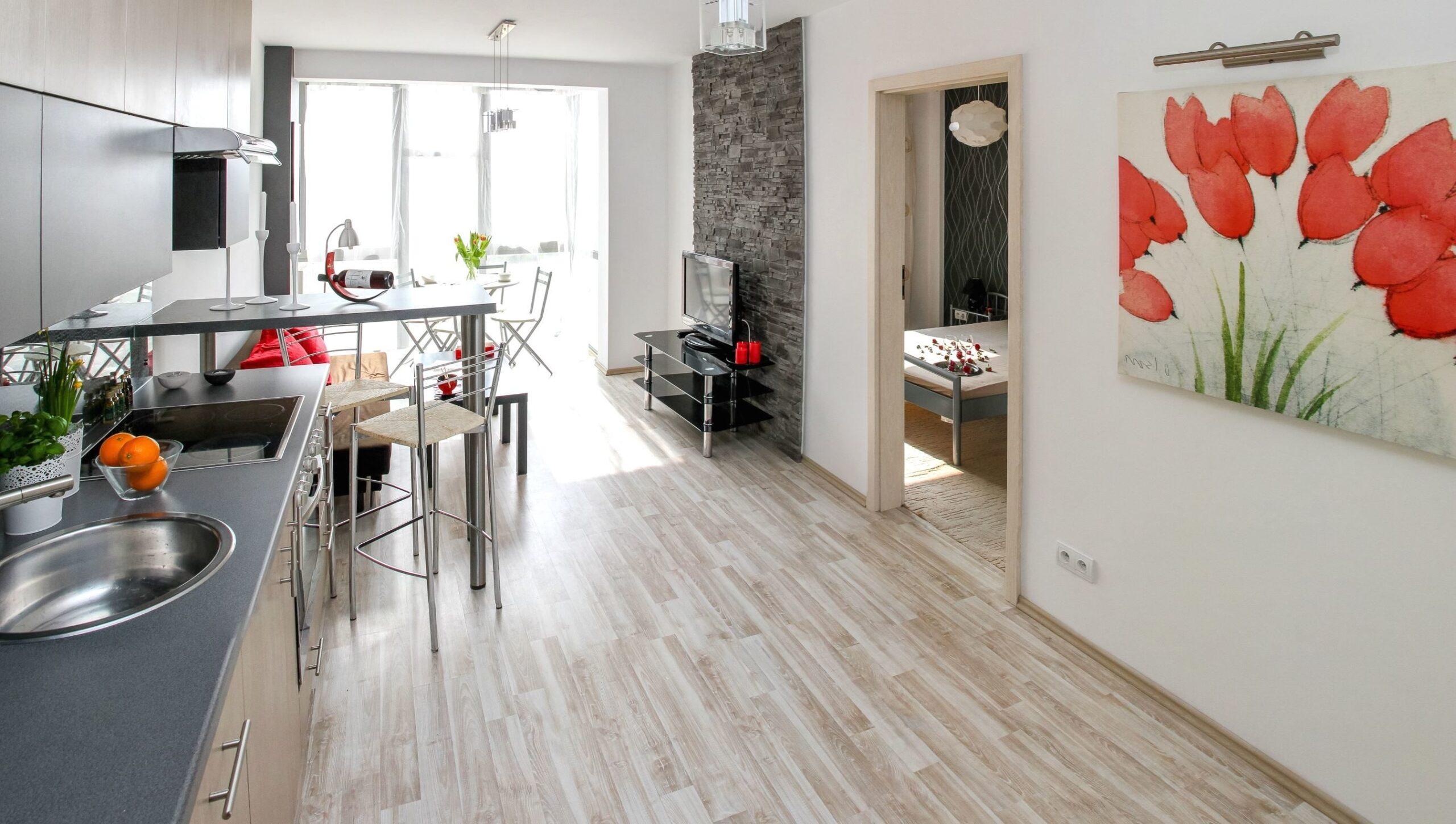 Laminate-Flooring-scaled