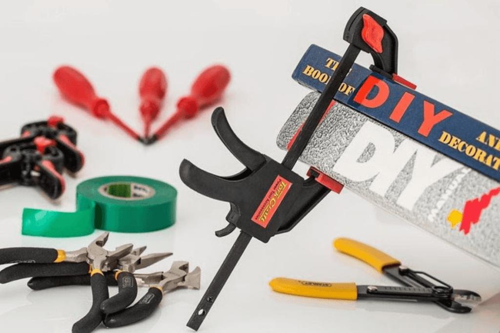 construction-tools-1024x682
