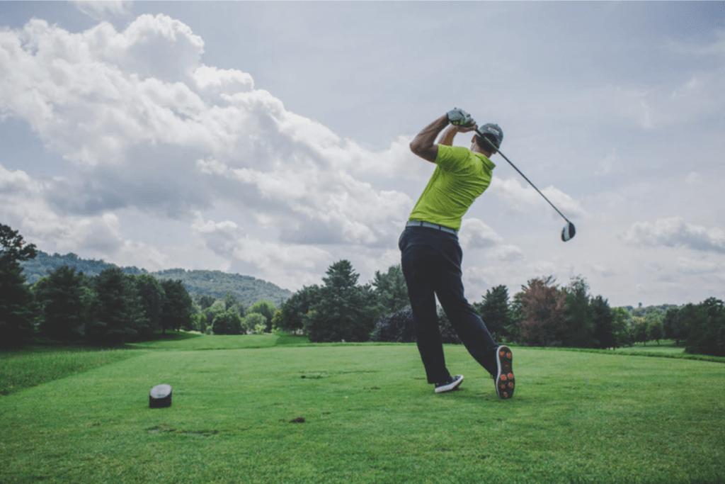 playing-golf-1024x683