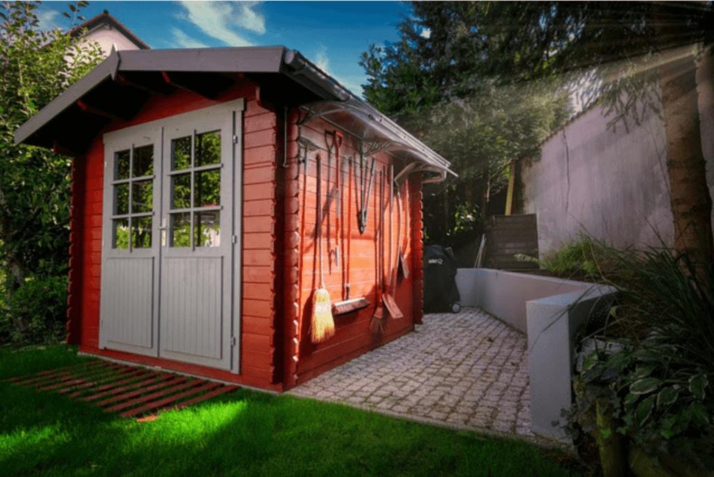 DIY-shed-1024x684